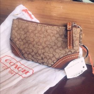 Coach coin purse, with key ring
